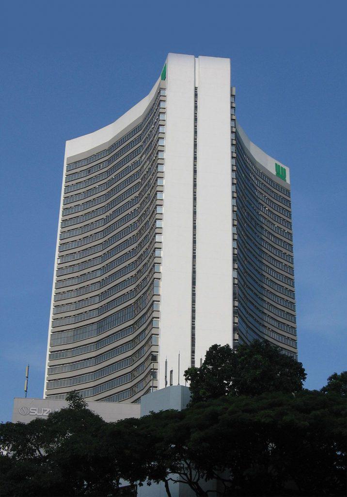 suzuki-building
